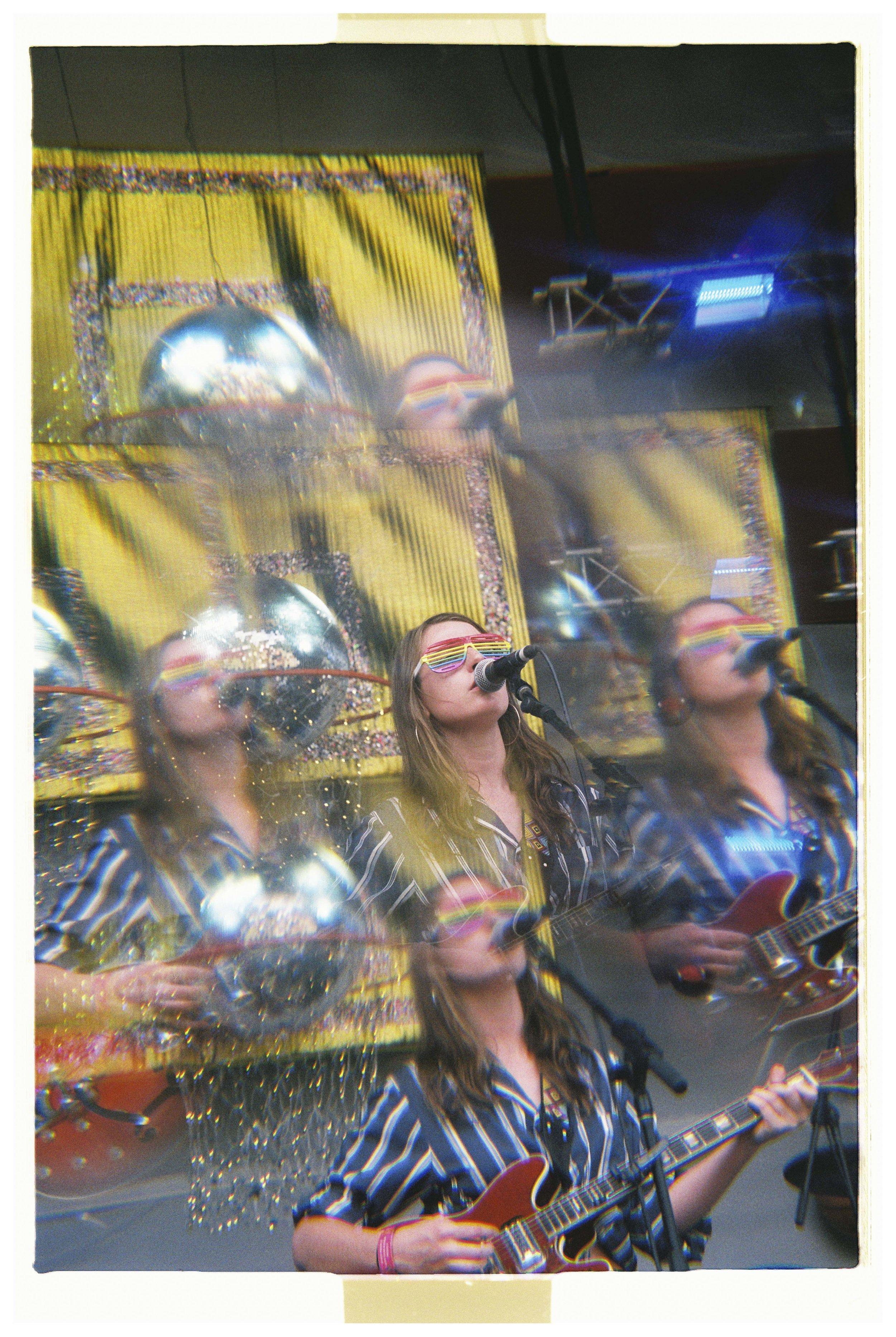 Angie McMahon - Nikon F3 - Fuji Superia Xtra 400 - 4.jpg