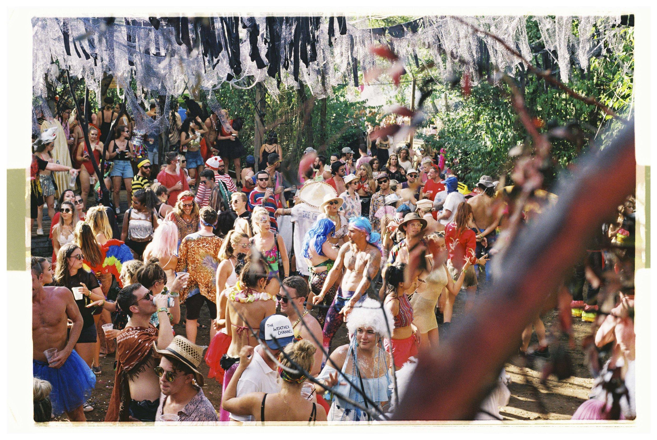 Crowd & Festival - Nikon F3 - Fuji Industrial 100 - 20.jpg