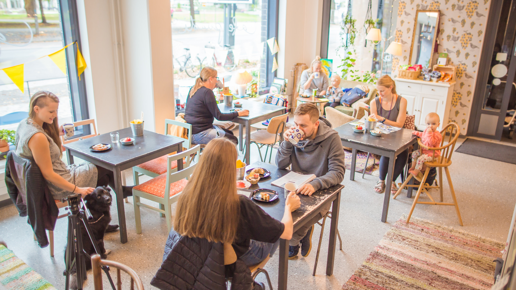 Tervetuloa ainutlaatuiseen Café Puustiin!