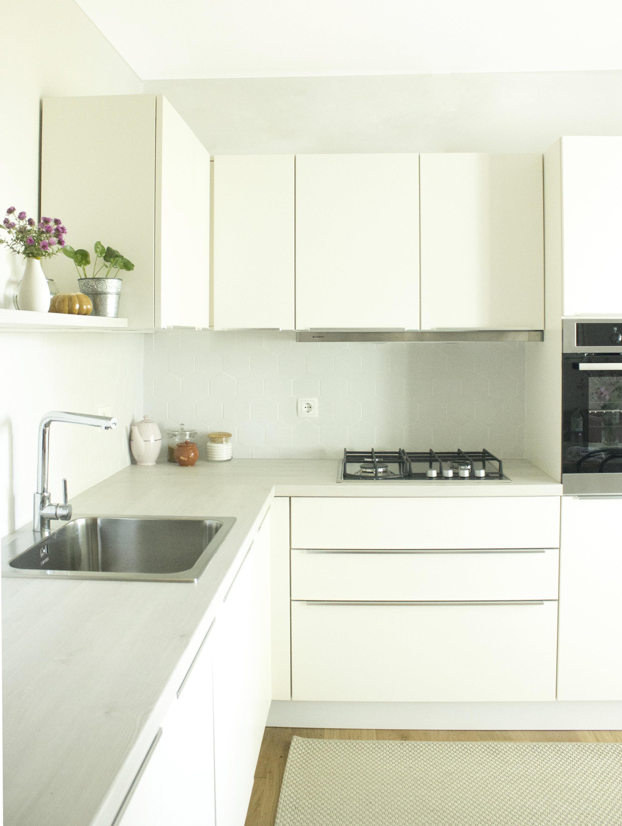 poke studio projekt_ženstvena oaza_kuhinja in jedilnica-2