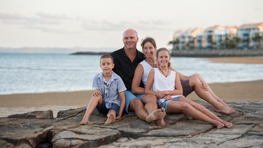 hervey bay family photographer (6 of 8).jpg