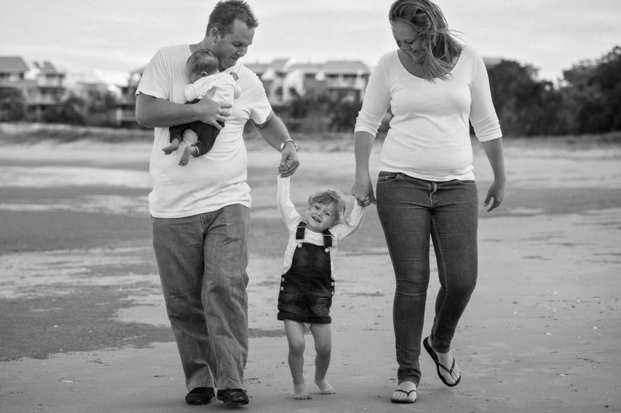 hervey bay family photographer (8 of 16).jpg