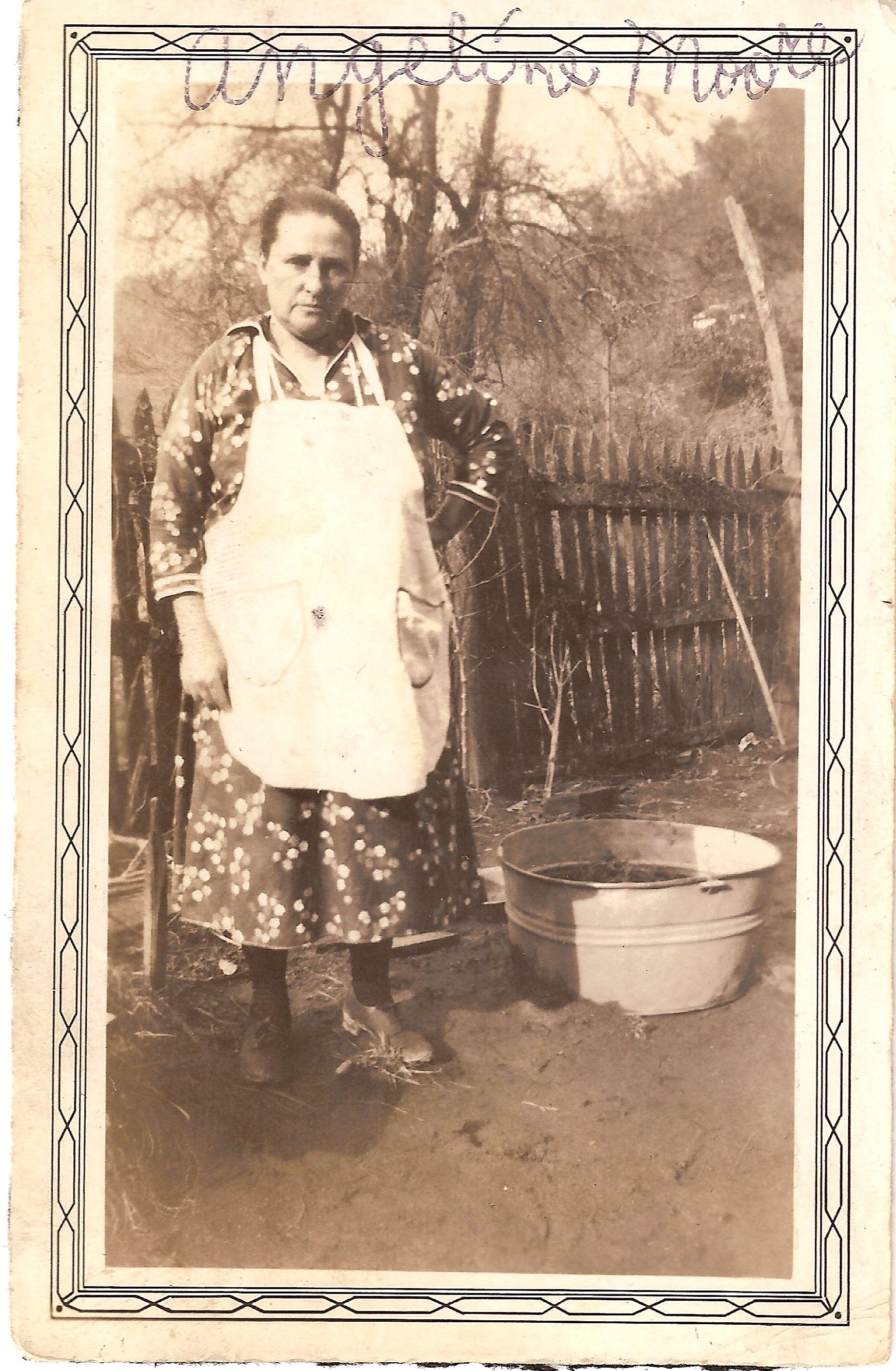 Angeline (Smith) Moore (1882-1946)