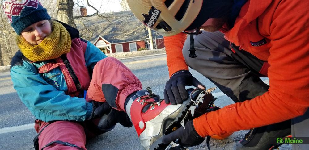 waterfail Helmet,Outdoor Downhill Helmet Climbing Equipment Expanding The Helmet Cave Rescue Mountaineering Helmet Safety Helmet