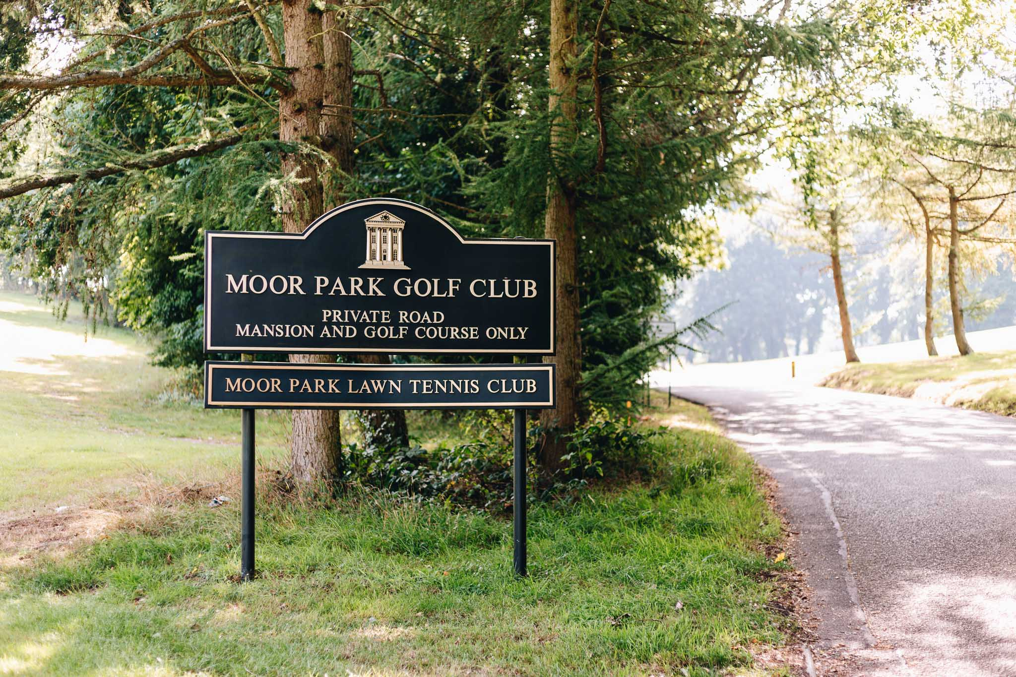 Moor Park Golf Club Wedding Photographer_001.jpg