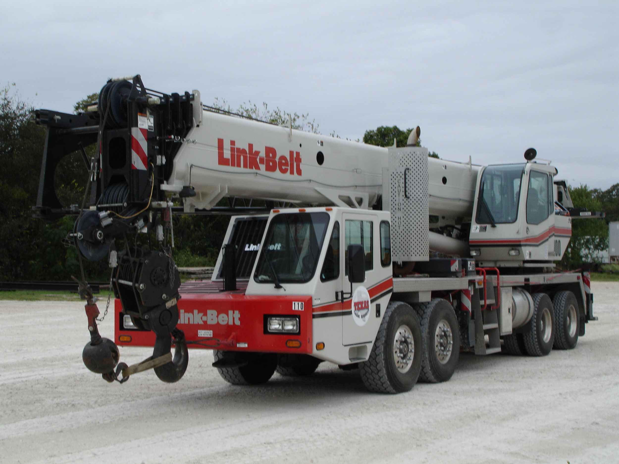 TRUCK-MOUNTED HYDRAULIC CRANE (Industry terminology- TC's or Hydro's)