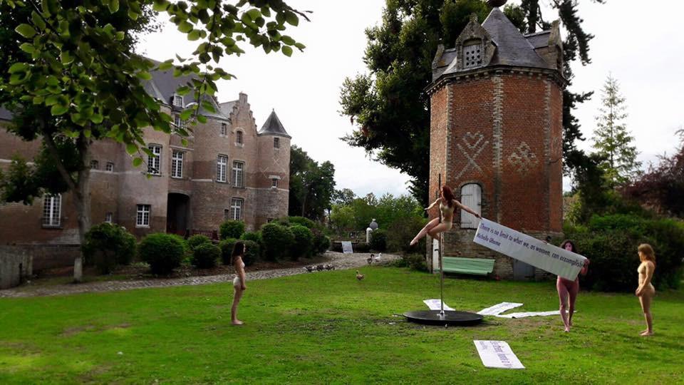 Performance donnée au Château d'Esquelbecq