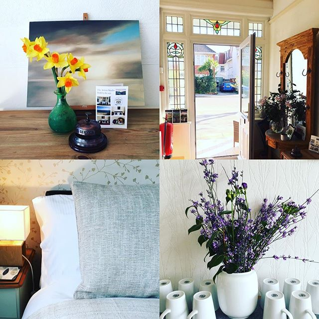 Spring beautiful spring is here! We have a couple of rooms left for Mother's Day and Easter bank holiday #ourbnbmemories #lovesouthbourne #lovechristchurch  #weekendbreak #southbournebeach  #spring www.artiststudiobnb.uk