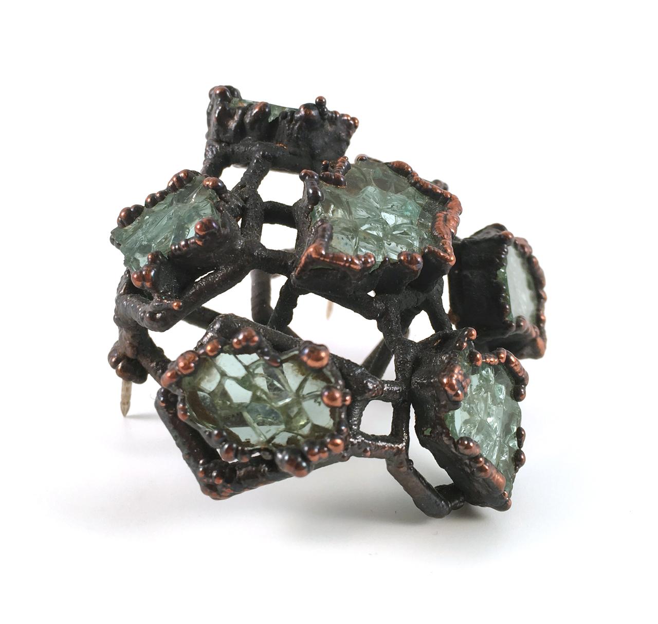 Elaine Zukowski | <strong><em>Glass Brooch, 1 </em></strong>