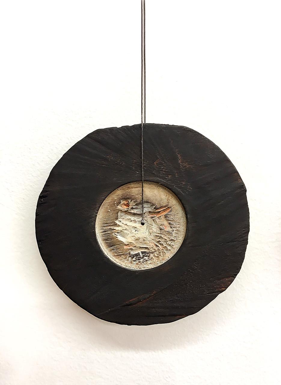 Nina Van Duijnhoven | <strong><em>A Burning Question, Neckpiece 2</em></strong>