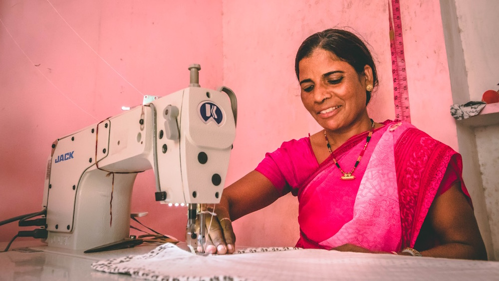 Basanthi from Baby Pepper's block printing workshop putting the final touches on dohars.Image by Himanshu Khandelwal