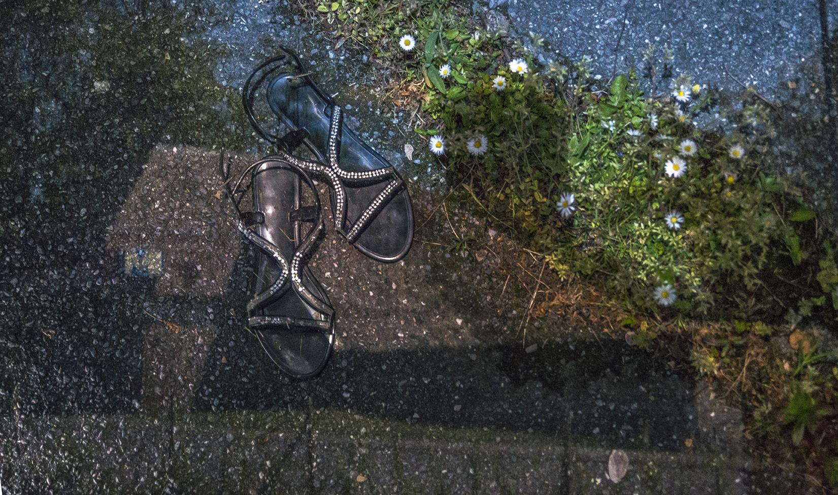 TFP_5204r Ghost Metro with sandals.jpg