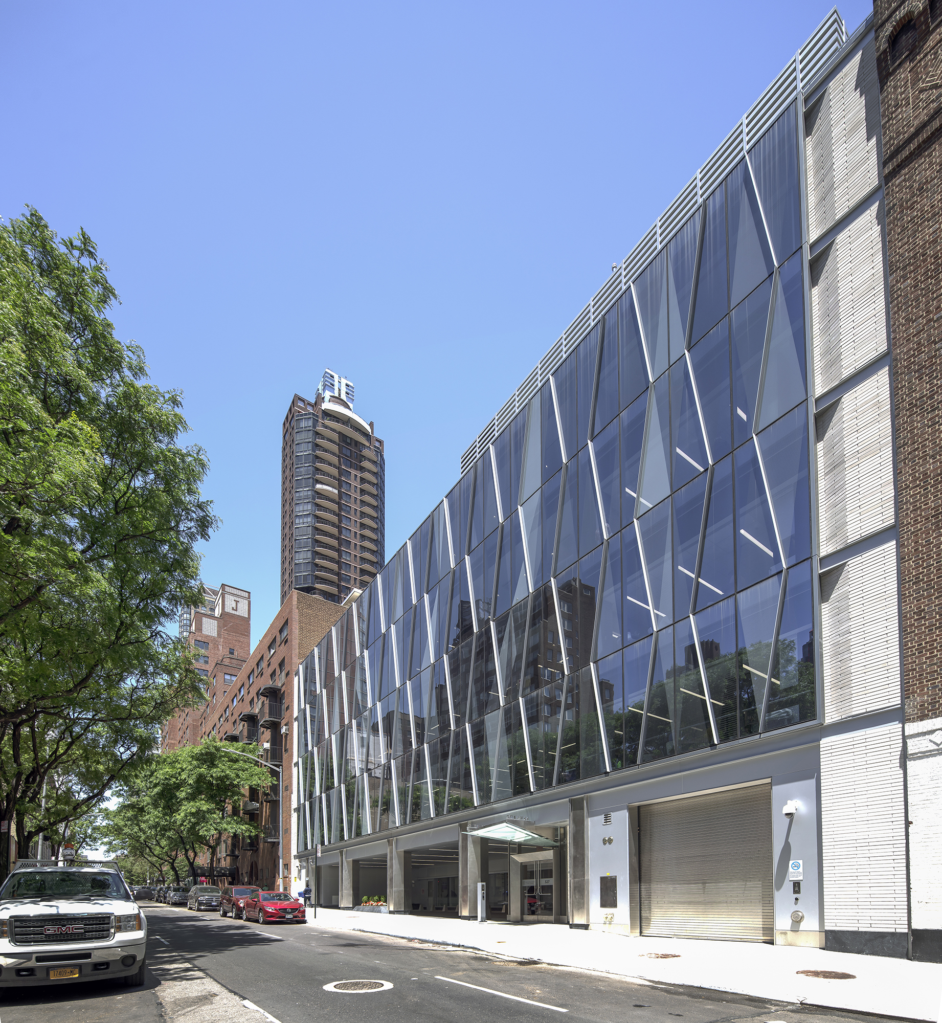 Knowles Cancer Hospital, New York 02.jpg