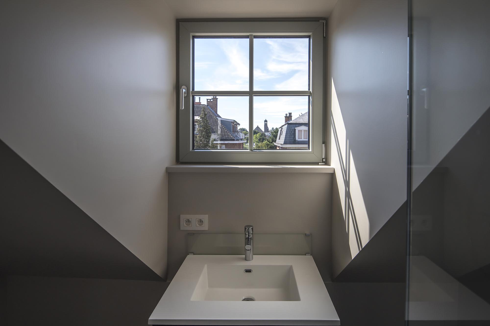 Bathrooms © Tim Fisher 08.jpg