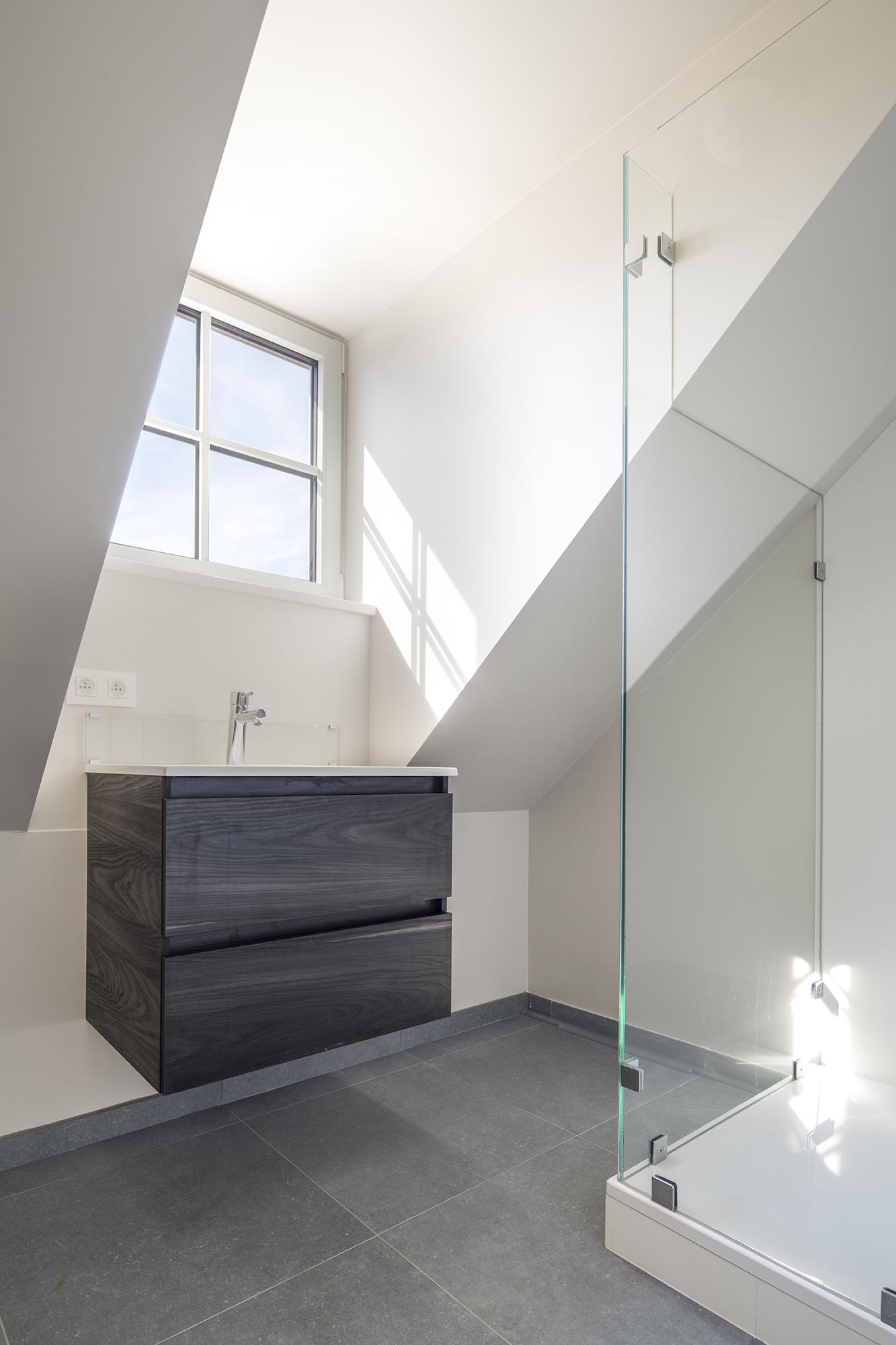 Bathrooms © Tim Fisher 2018 04.jpg