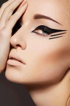 graphic-eyeliner.jpg