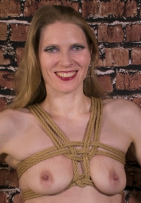 Chest harness tied with 6mm Moco Jute