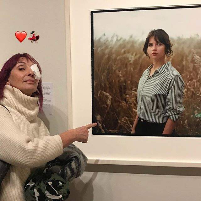 Thanks to The National Portrait Gallery and The John Kobal Foundation for a lovely little gathering.🎉 Felicity is now up ! As ever, mum stole the evening ❤️😂🙌 #mum #NPG #felicityjones