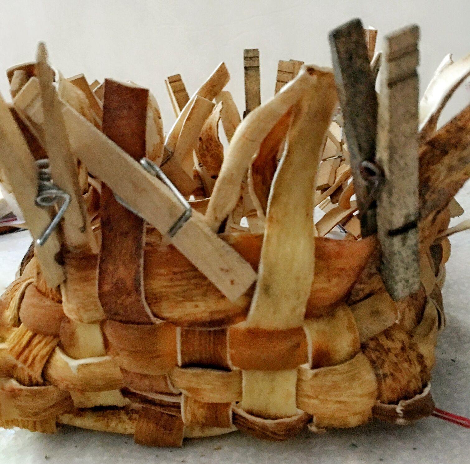 process-of-weaving-sea-kelp-basket