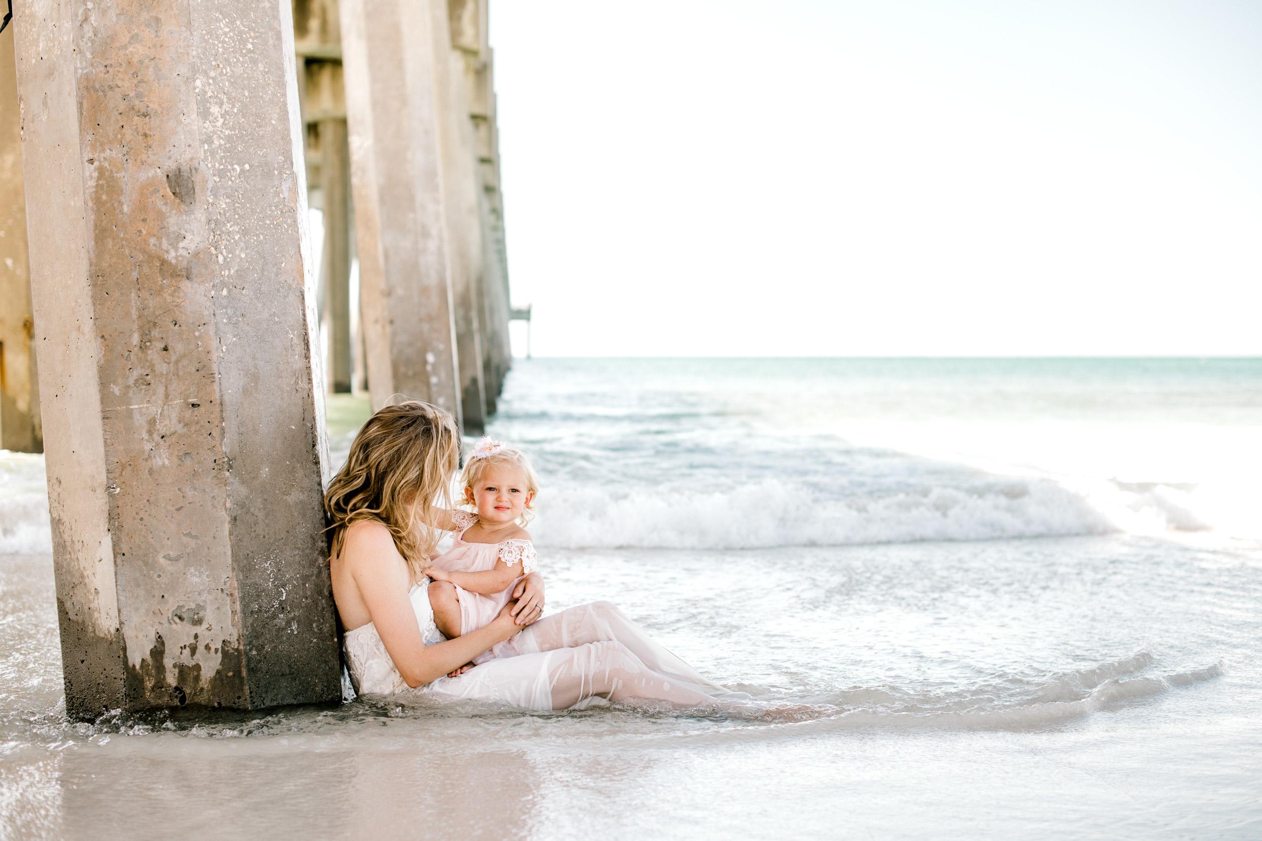 pensacola-beach-breastfeeding