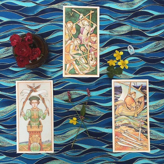 "Dear reader, do you struggle with having too many cooks in your kitchen? Are your brilliant ideas & goals not gaining any traction due to conflicts of ego, either within yourself or with others? Do you relentlessly compare yourself to others in your field, seeing only competition and thereby stifling your own gifts & abilities? Say no more! This end-of-week tarotscope presents us with a narrative that implies you may be capable of distancing yourself from these limiting notions. Your ""homework"" this weekend (should you choose to accept it) is to recognize where these perspectives may lie in the undertow of your activities, and to adjust your course so as to liberate yourself from their influence. Identify what you want to move toward, and then identify what you must move away from in order to achieve this goal. Happy World Tarot Day! #SetSail #OarsInTheWater #Tarotscopes #MythAndMask #tarology #tarot #dailytarot #worldtarotday"