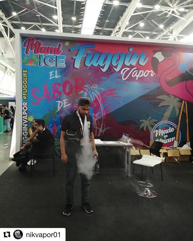 @nikvapor01 ・・・ Expo Vape South América en Medellín Para llevarte a tu tienda la mejor gama de líquidos premium en el mercado💪🦍. . . @vsaexpo #vapenation #noalcigarro #vidavape#VAPER #nofumoyovapeo #vape #ibague #ibaguevape #Medellín #vapeexpo