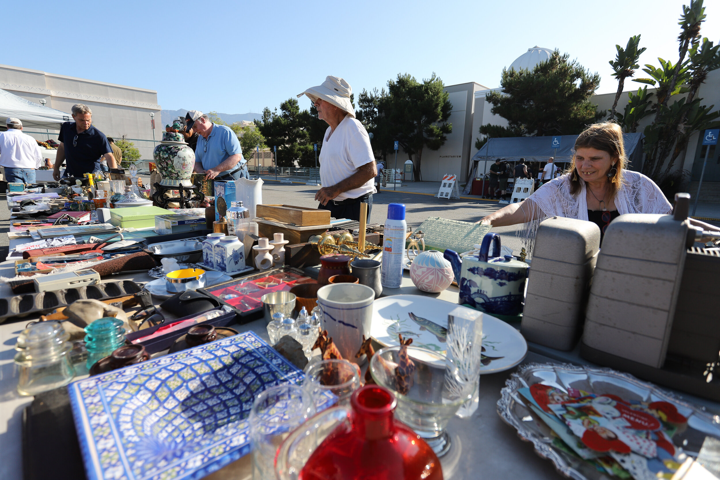 Nicholas Slobin/ Courier Attendees browse goods for sale at the Pasadena City College Flea Market on Sunday, September 1, 2019.