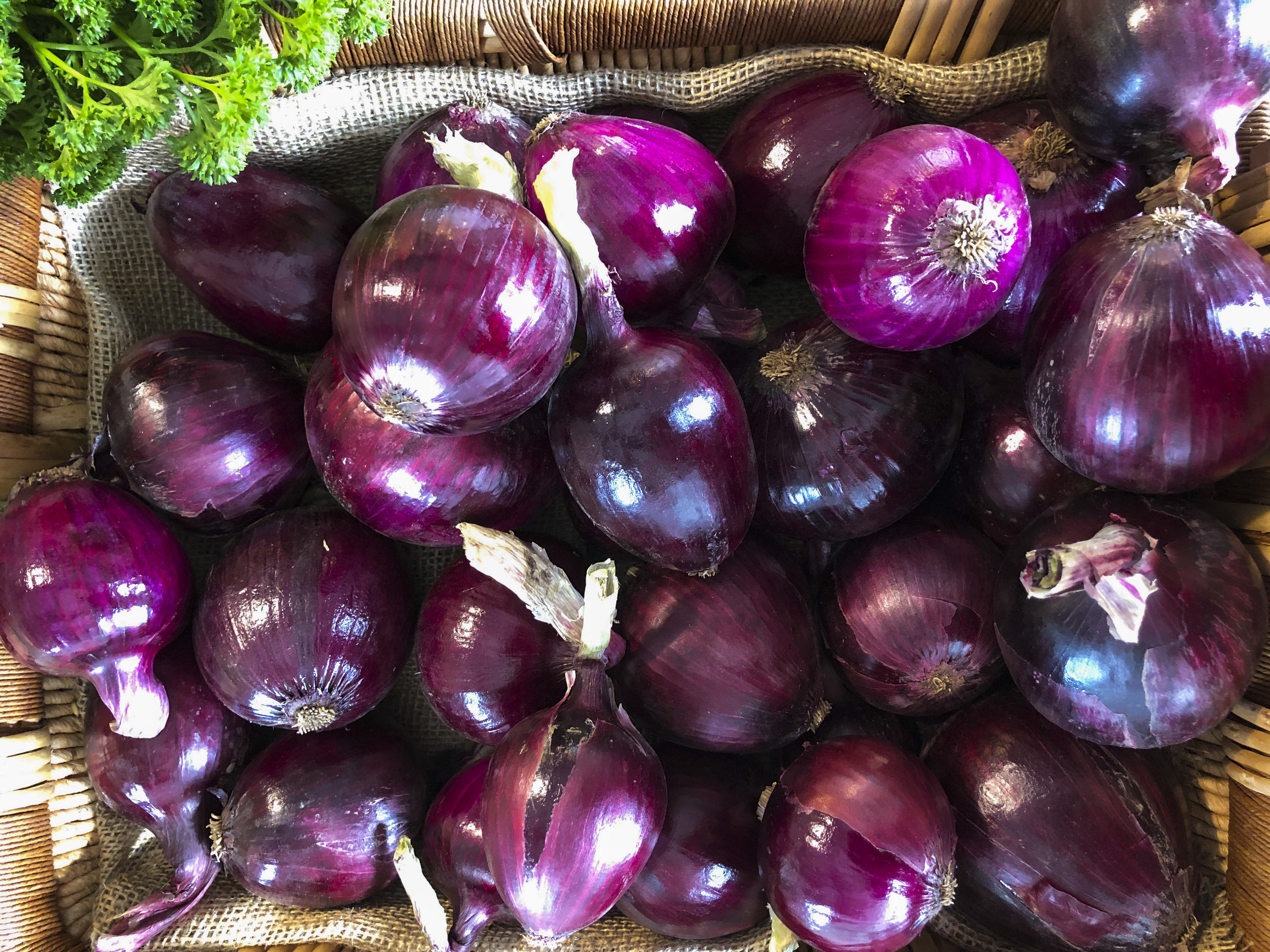 Red Onions - Gorgeous red onions only $3.50 per kgFull of flavour and they look amazing