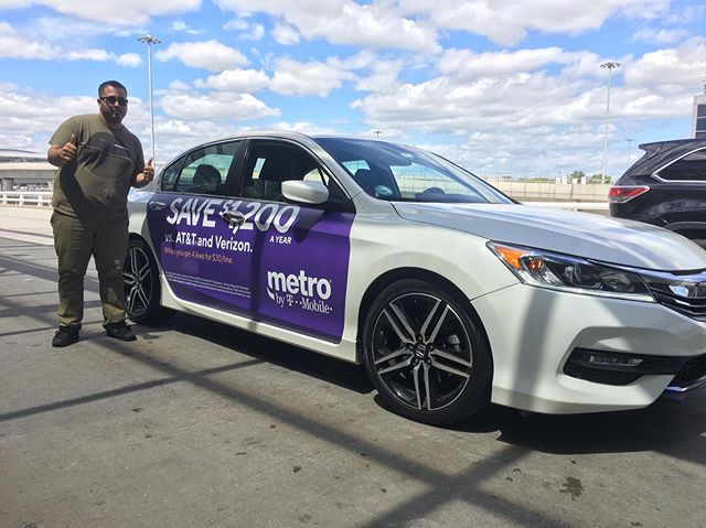 don't just drive, advertise! . . . #mobilads #ooh #ad #outdooradvertising #metropcs #4G #tmobiletuesdays #uber #lyft #via #rideshare #location #data #nyc #houston #la #tech #drive #airport #queend #jfk #3m #averydennison