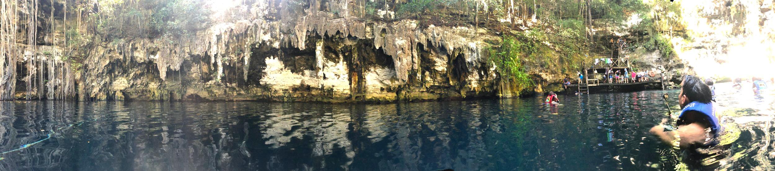 360 shot Cenote Yokdzonot