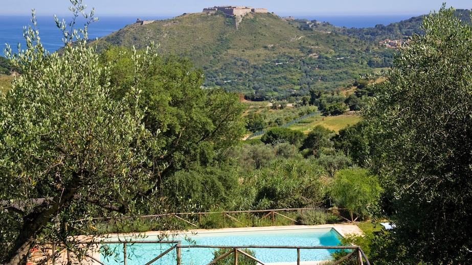 la contessa - Sleeps: 16Price from: EUR 12,000 / weekLocation: Porto ErcoleFeatures: Cook