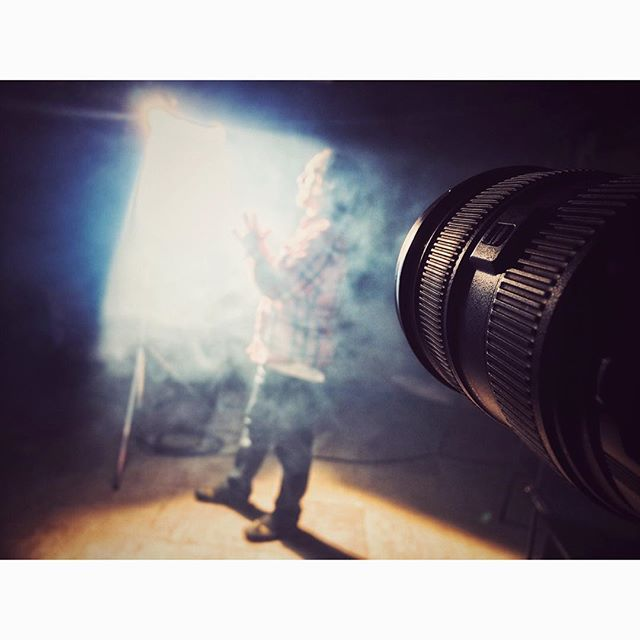 Spot on #light #arri #sonya7rii #sony #spot #lens #canon #haze #energy #fotoshoot #picture #highlight #dark #black #contrast #photooftheday #picoftheday #tbt #iphone #cinematography #gaffer #beautiful #friends #love #respect #cherish