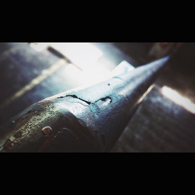Hold on #stairs #metal #handle #sun #highlights #rusty #old #contrast #dark #picoftheday #tbt #photooftheday #cinematography #daylight #paint #blur #focus #industry #kocevje