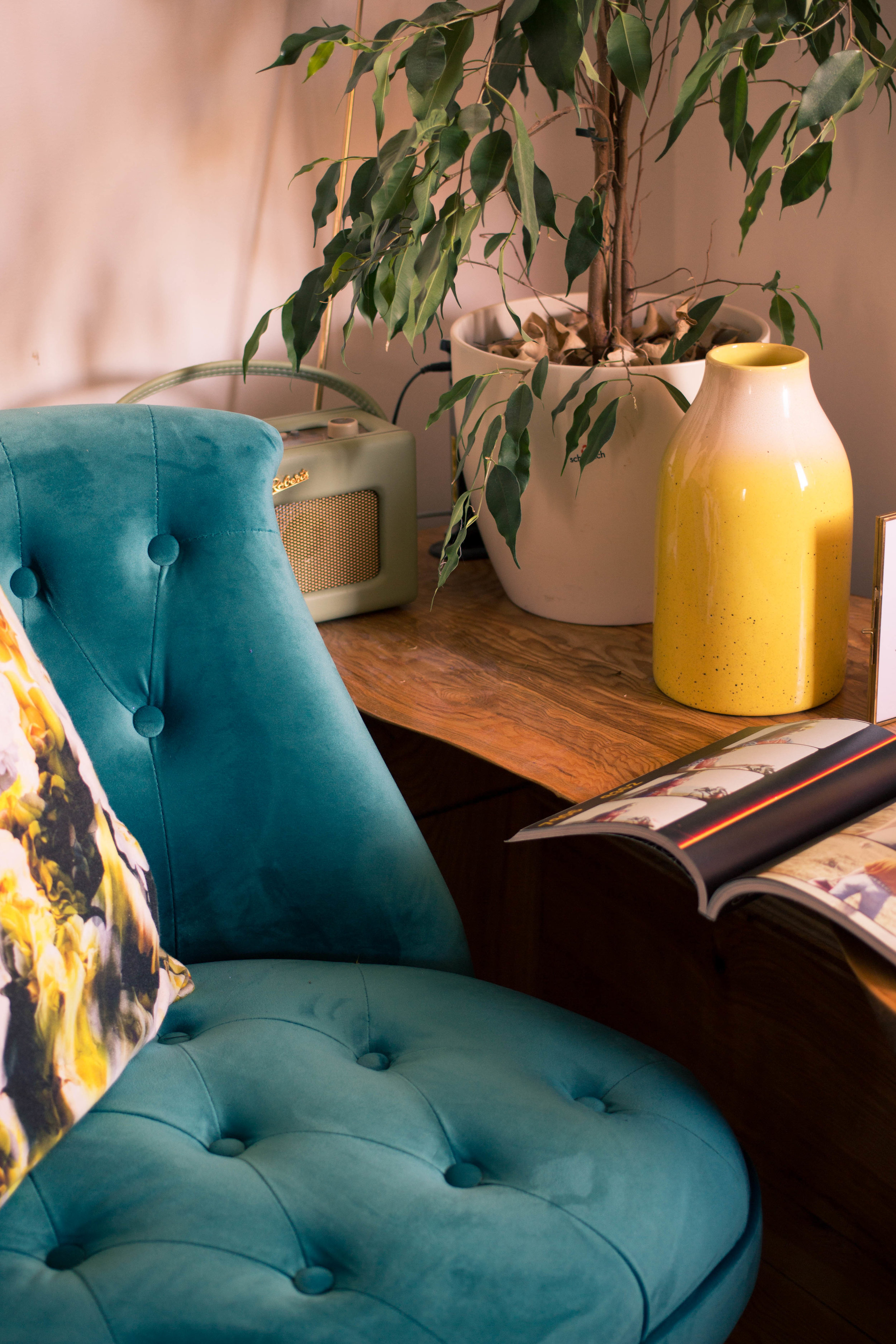 Styling-a-cosy-corner-rush-and-teal-12.jpg