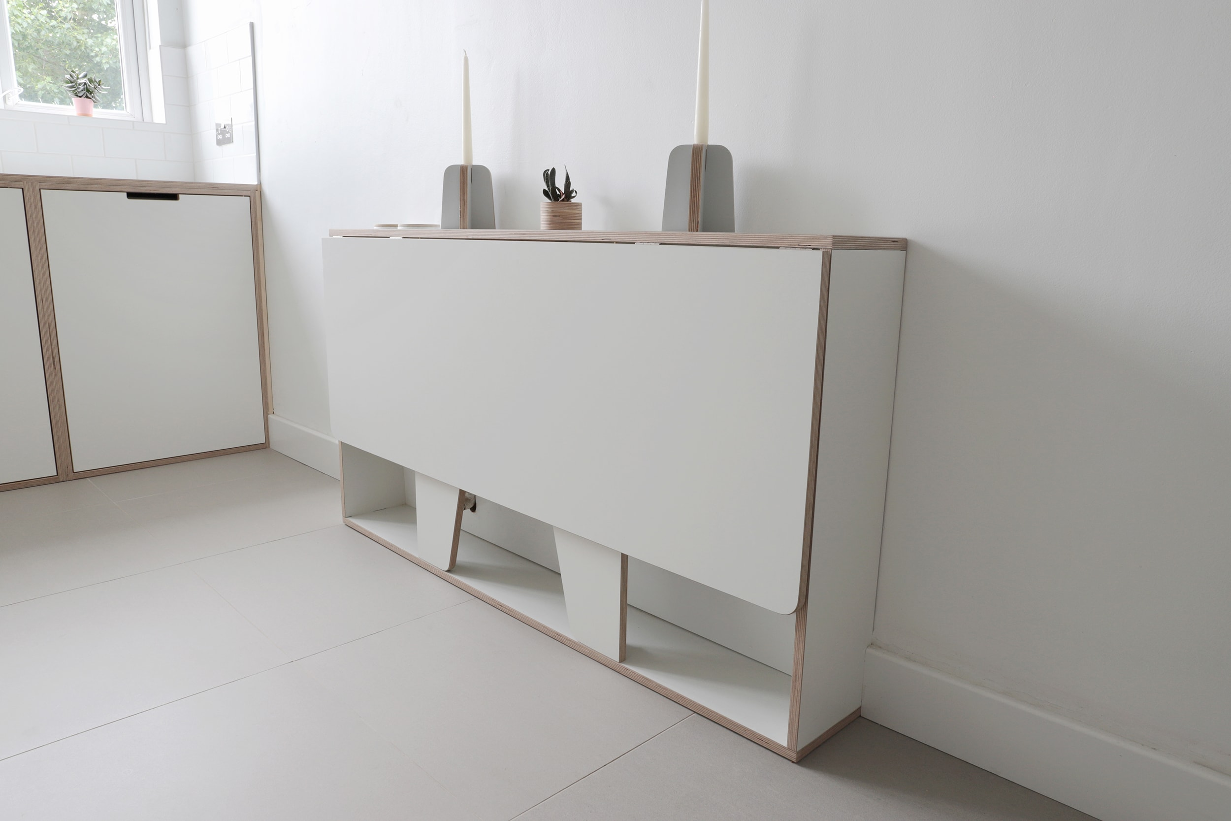 Neatly folded when not in use, this clever table is ideal for a small kitchen!