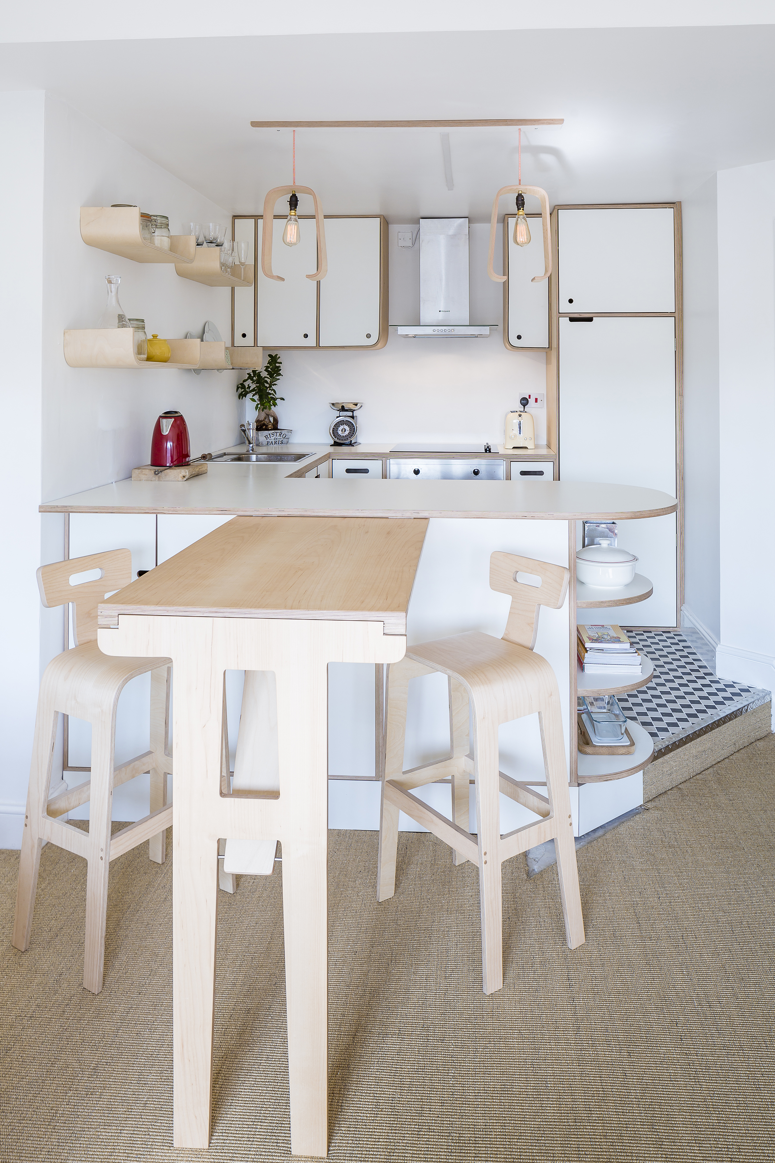 Fabienne wanted a folding table so her neat living room wouldn't be too crowded.