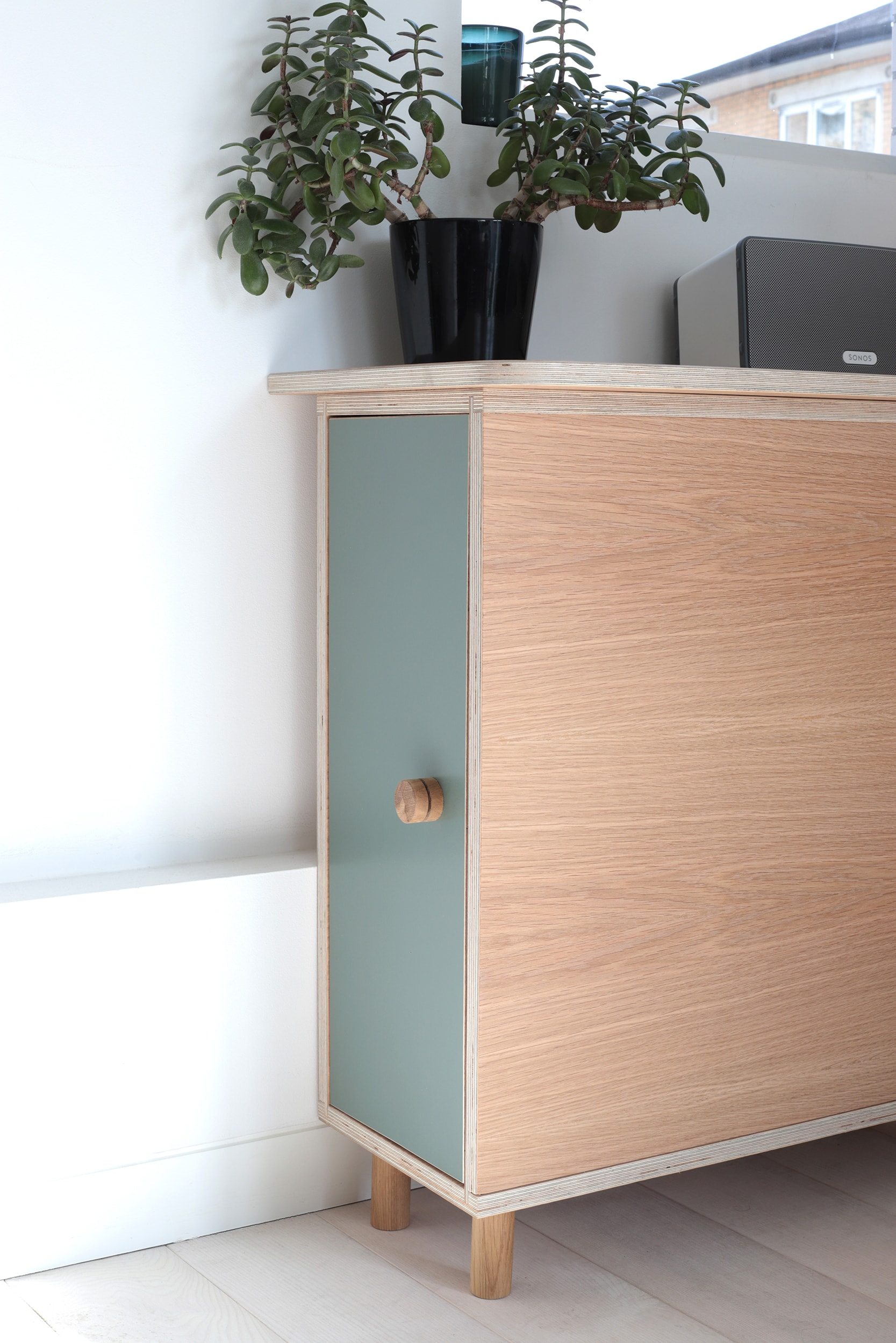 Order 428 - Jessica Barnes - Desk 5 WEB-min.jpg