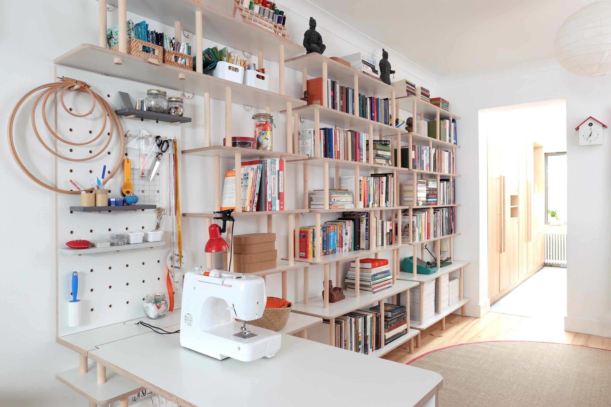 Ilaria - bookshelf 3 WEB-min.jpg