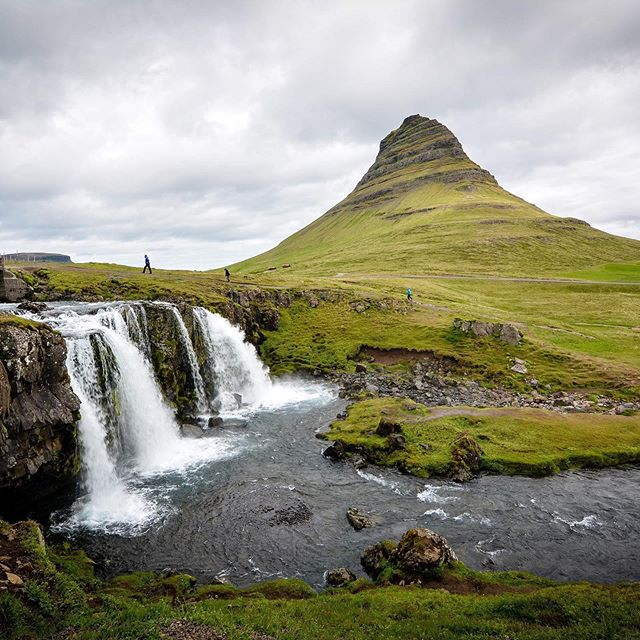 One of our favorite places in the west of Iceland, Grundarfjörður on the Snæfellsnes peninsula is a must to visit! Have you planned your summer break yet? We're still taking bookings for this summer 🌞 . . . #summer #iceland #icelandcamping #campervan #roadtrip #westiceland #visiticeland #jscamper