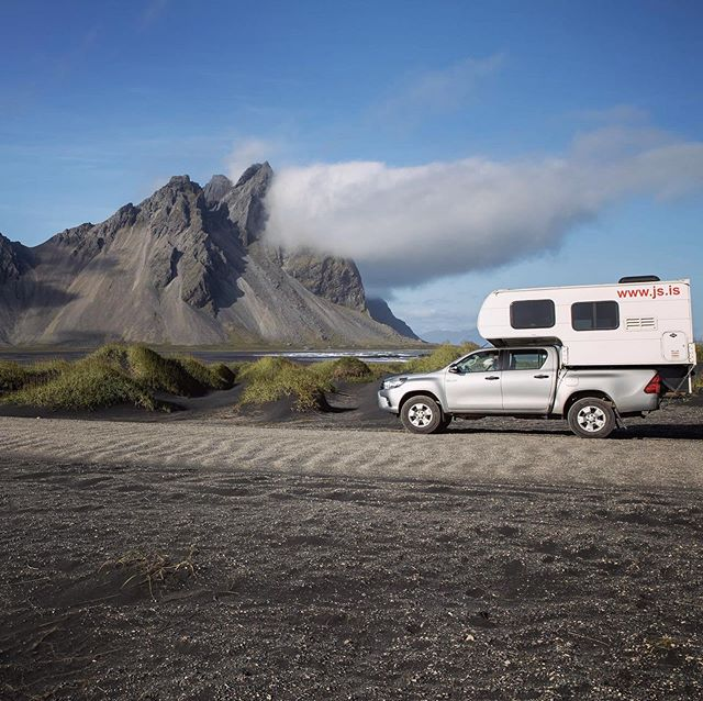 Summer time is almost over which means our season is coming to an end. Not to worry though we're operating until October this year! so plenty of time for a last minute holiday, the weather is still lovely 🌞👏🏼 . . . #jscampers #iceland #travel #camping #camper #icelandcamping #nature #photography #campervan #highlands #4x4