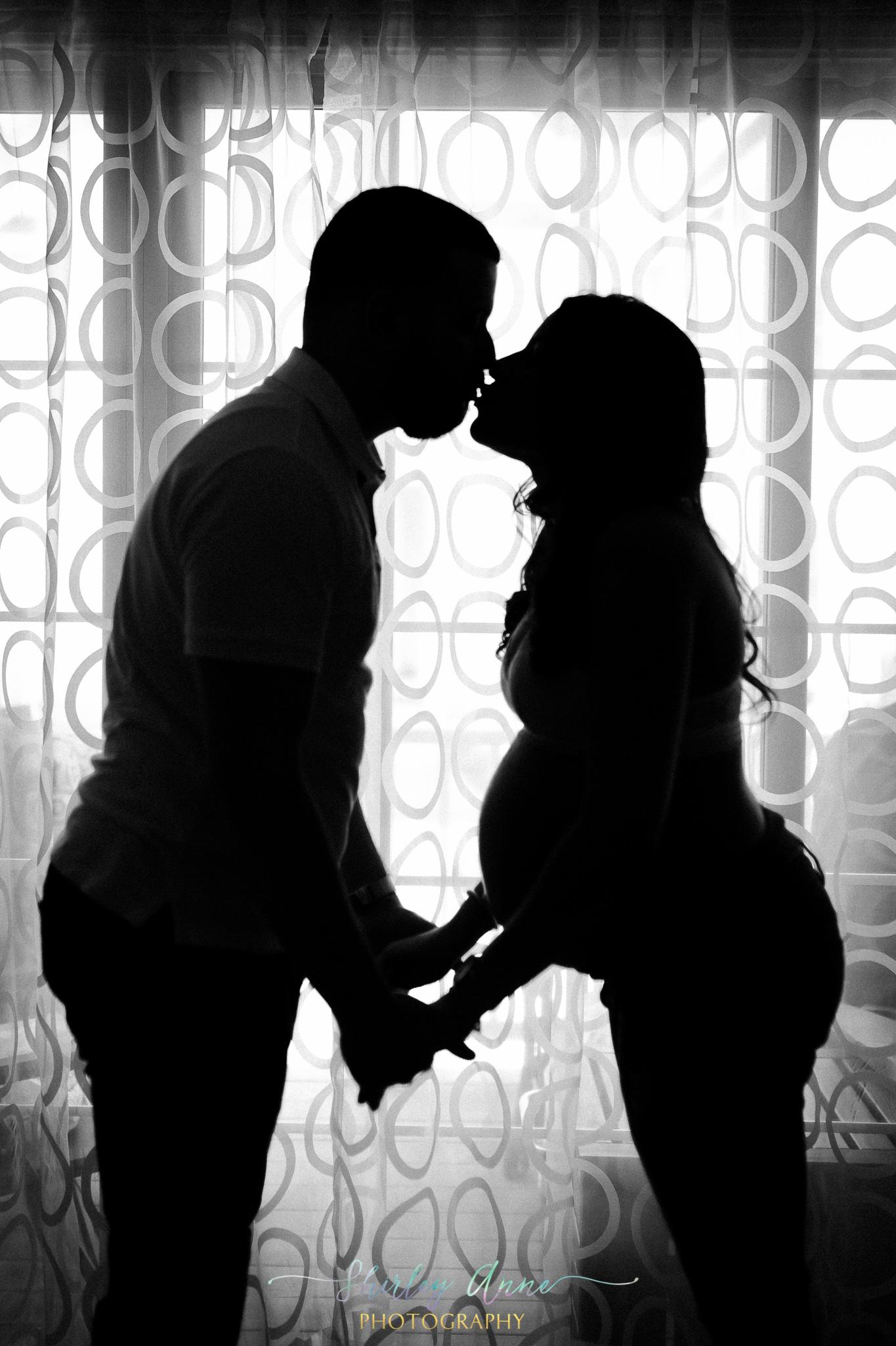 leonelia-maternity-sneak-web-1-of-8