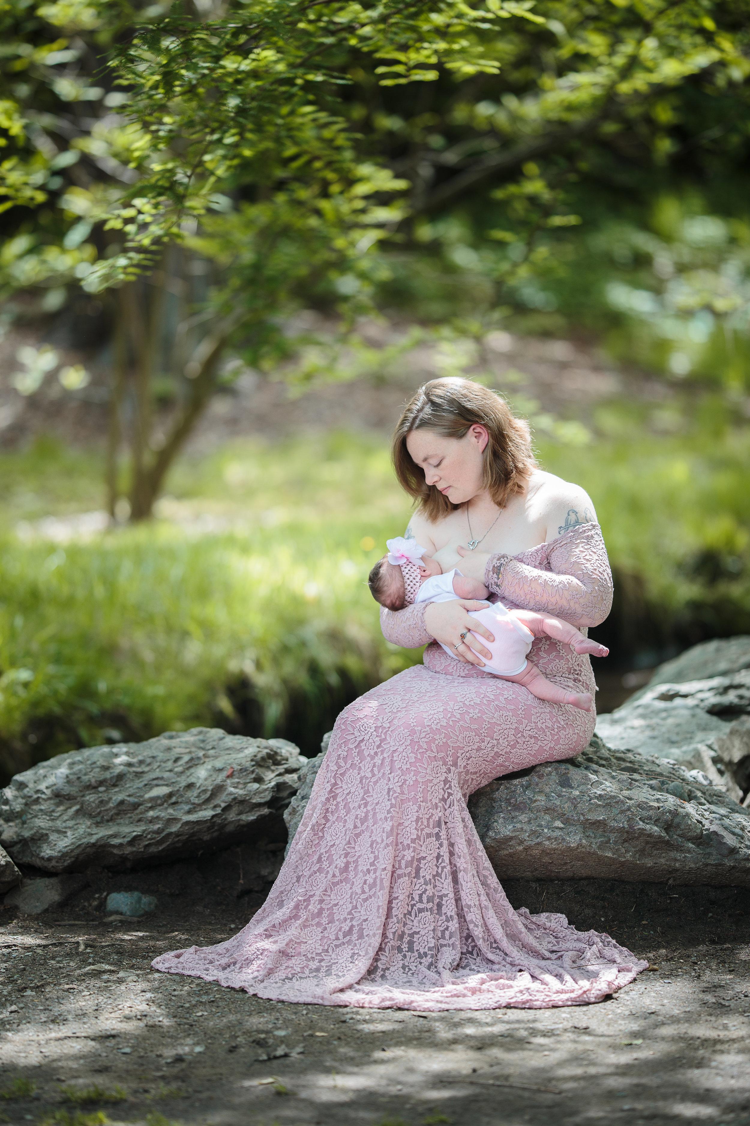 Jamie-Breastfeeding (1 of 4).jpg