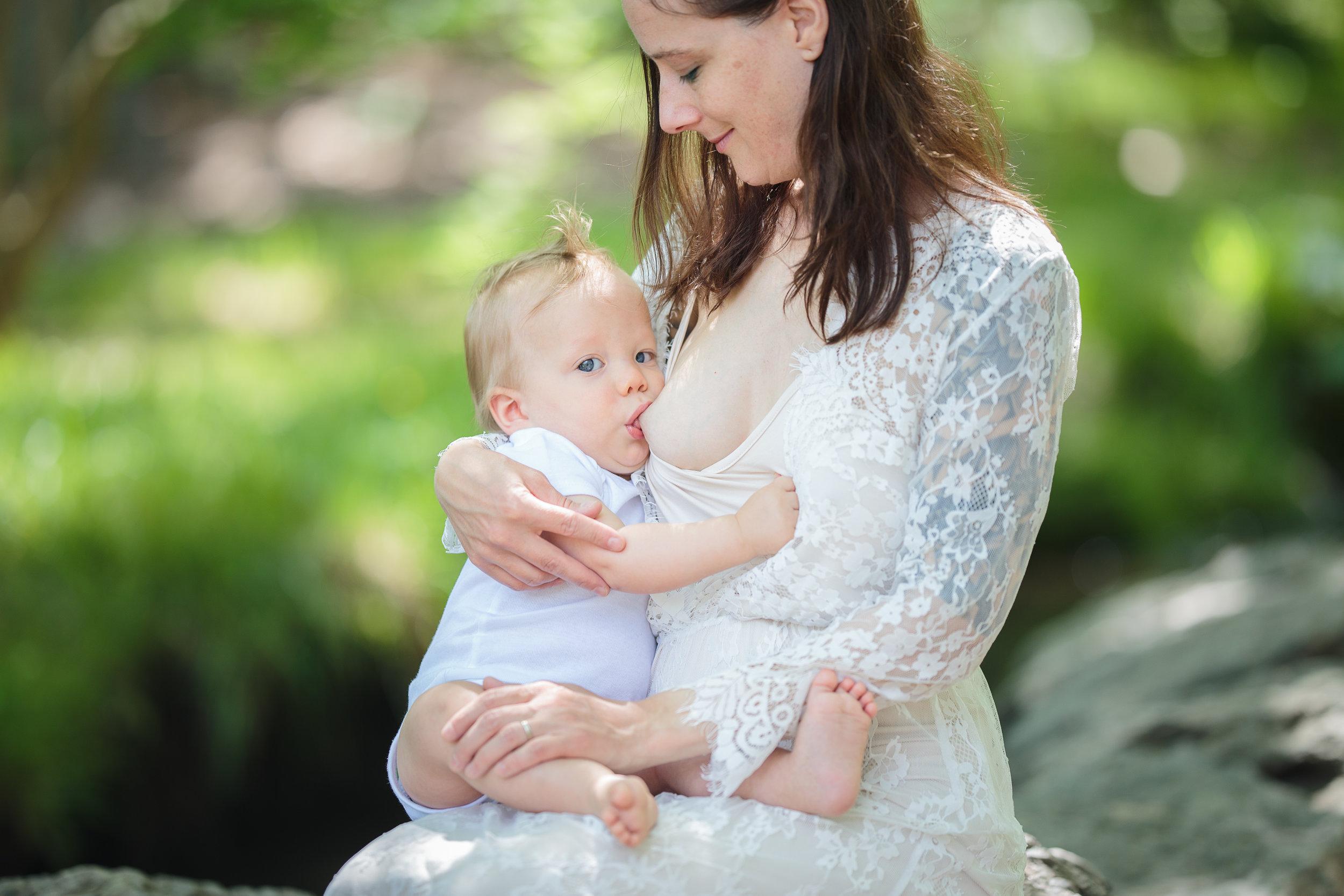 Sheryl-Breastfeeding (2 of 7).jpg