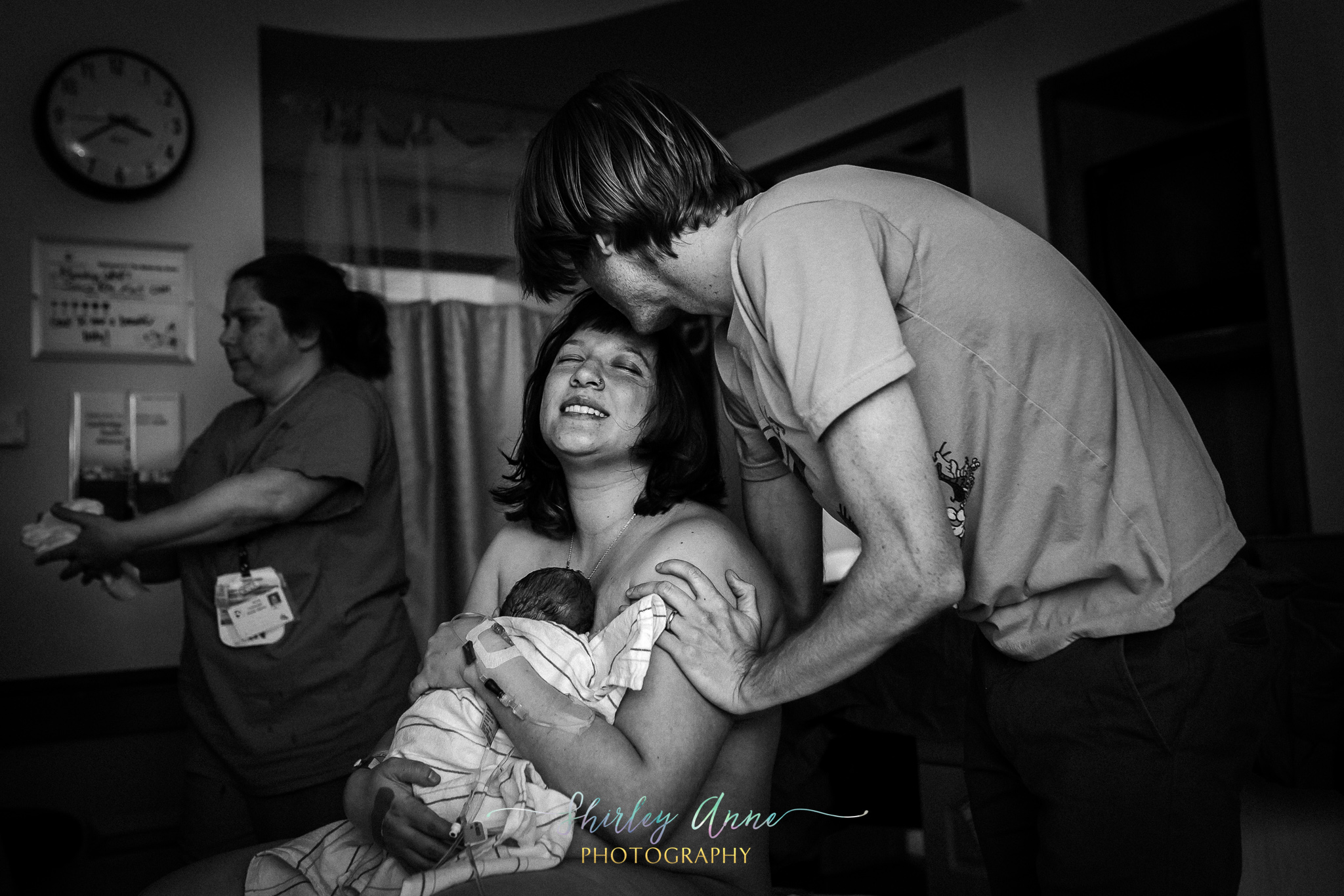 dad and mom welcome their first baby in hospital