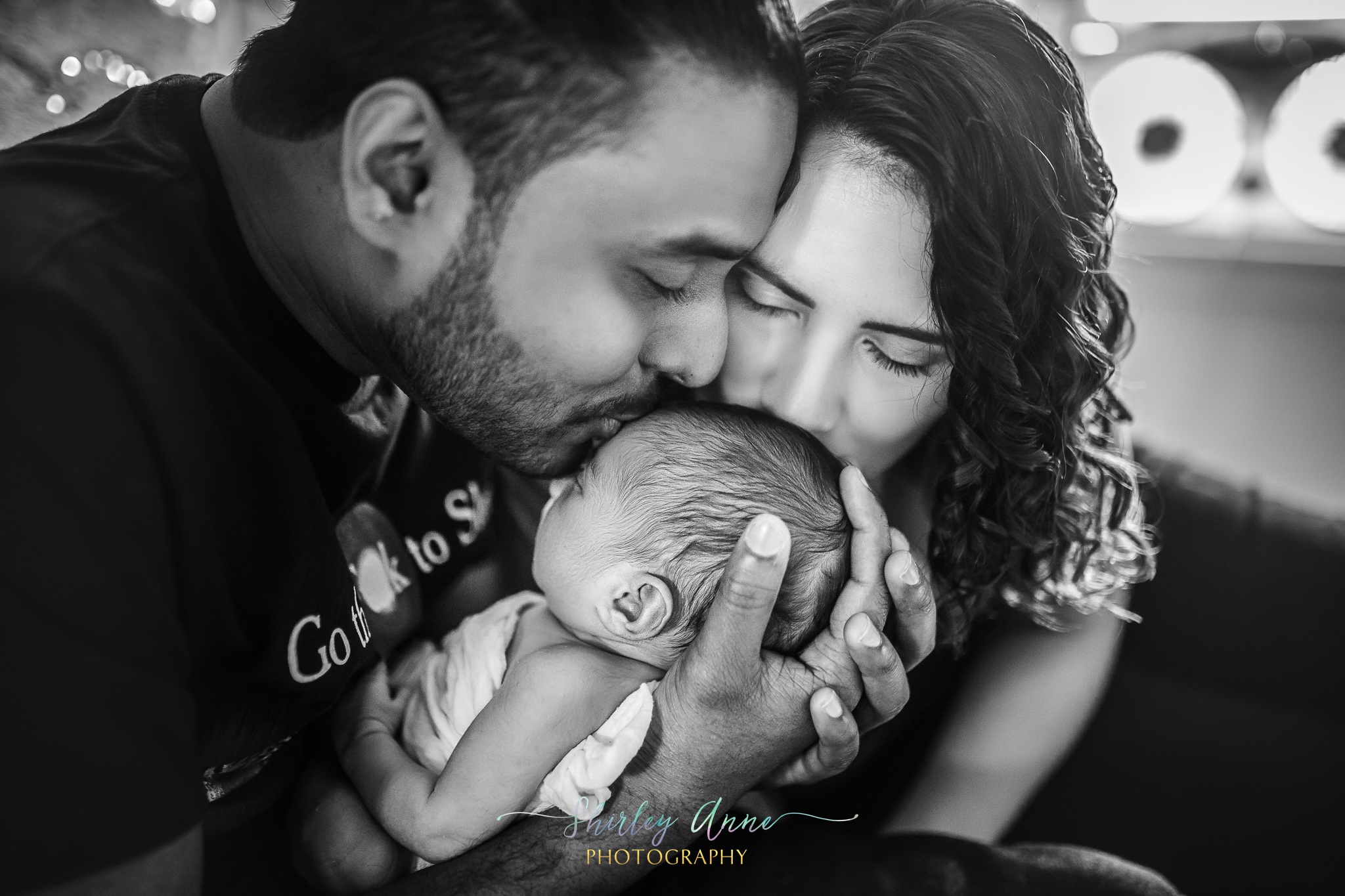newborn home session with parents