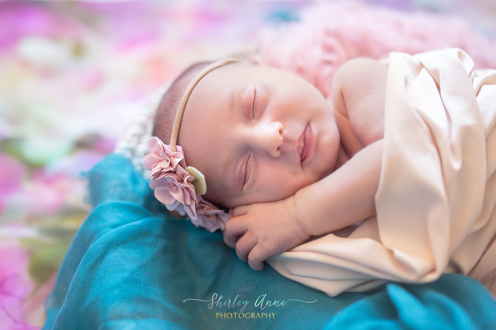 Stephanie-Newborn-Web (3 of 20).jpg