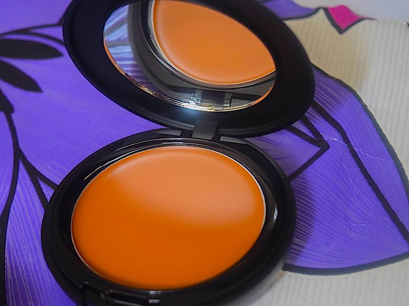 Sleek-Makeup-Creme-to-Powder-Foundation.jpg