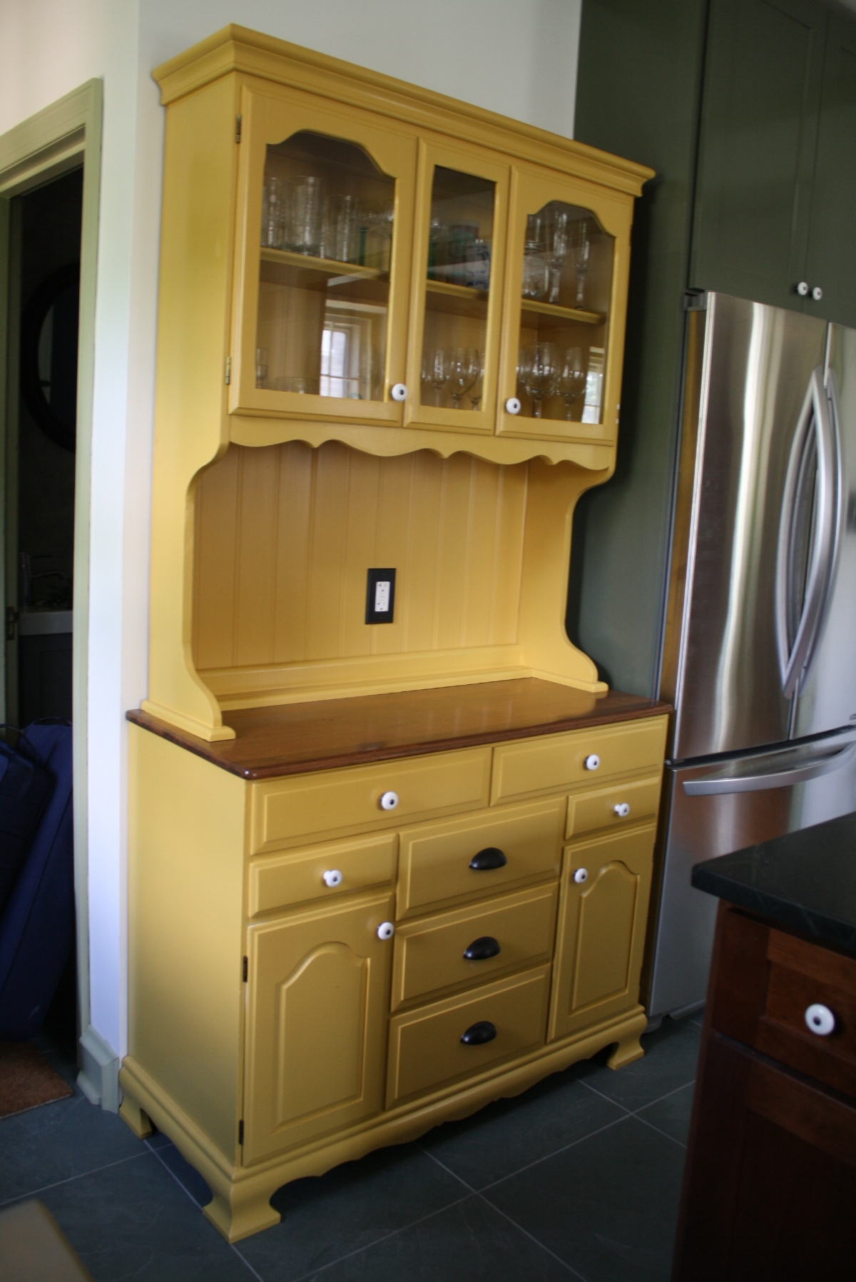 custom built in hutch