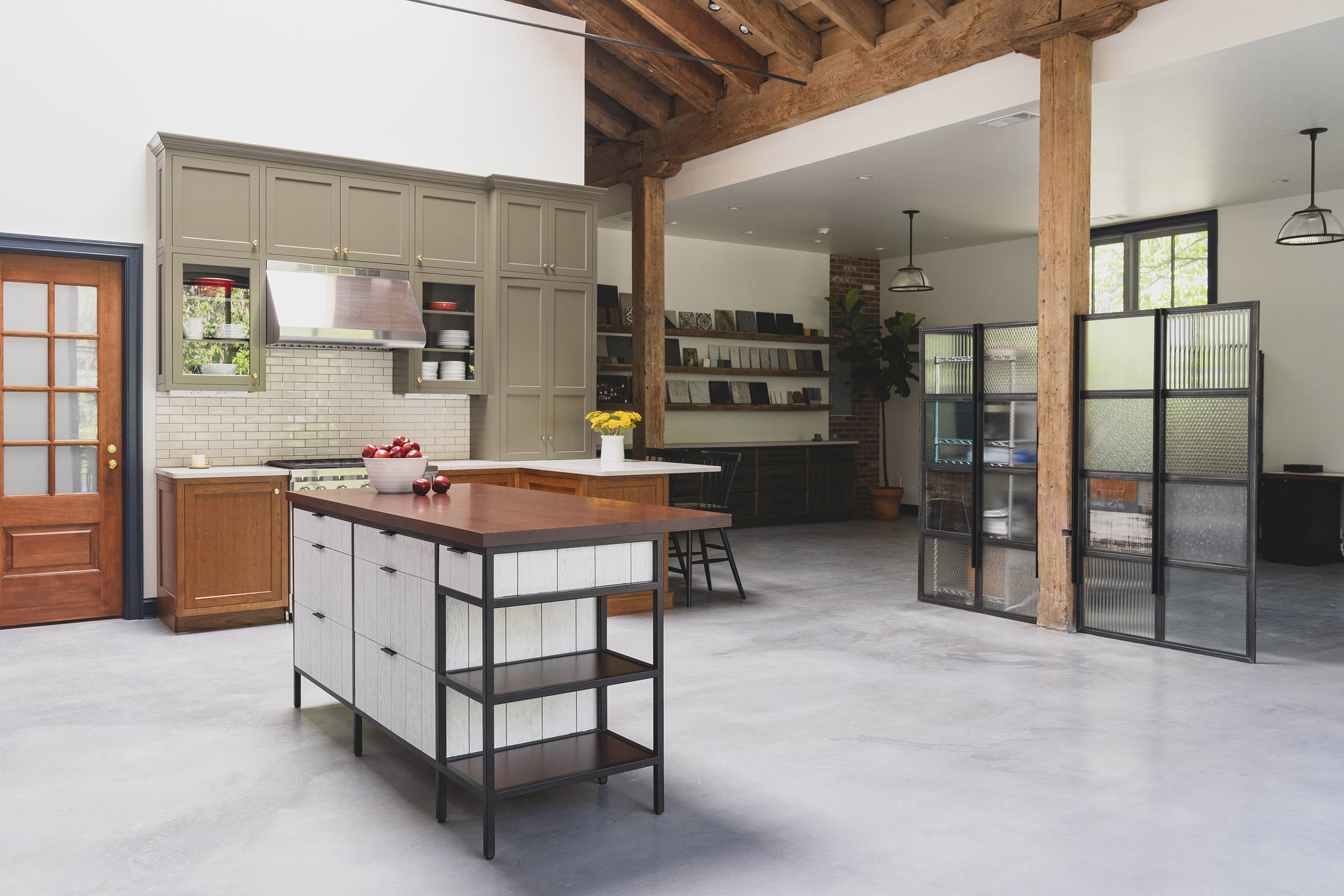 Airy Kitchen Showroom 13.jpg
