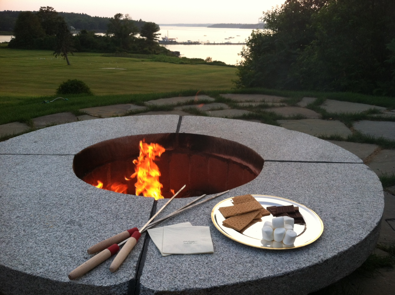 Nightly Bonfires - As the sun goes down, snuggle up next to the fire pit and delight in gooey, chocolatey s'mores. The simple pleasures of a starlit night and the perfectly roasted marshmallow are for guests of all ages. For the adults, we happily offer beer and wine.